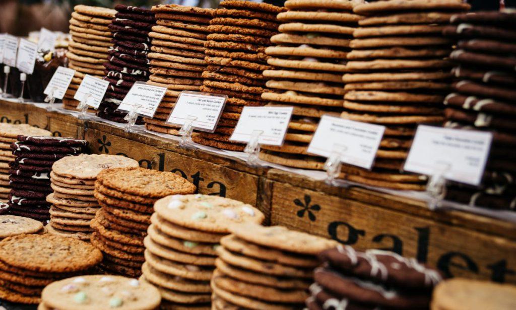 Cookies en AGV | Photo by Clem Onojeghuo on Unsplash
